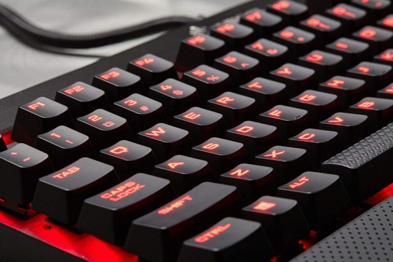 Corsair K70 LUX in offerta a 120€ su Amazon: tastiera meccanica da gaming (e non solo)