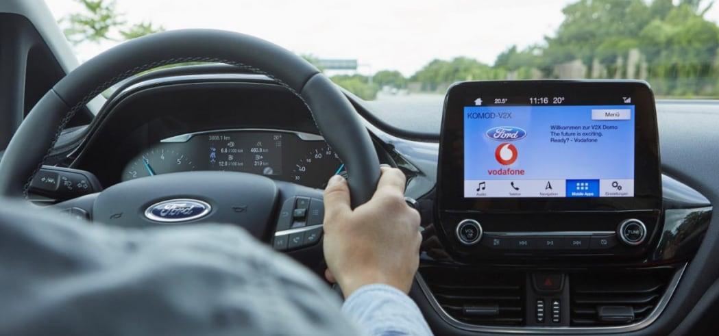 Ford e Vodafone vogliono aiutarvi a trovare parcheggio, ma non solo