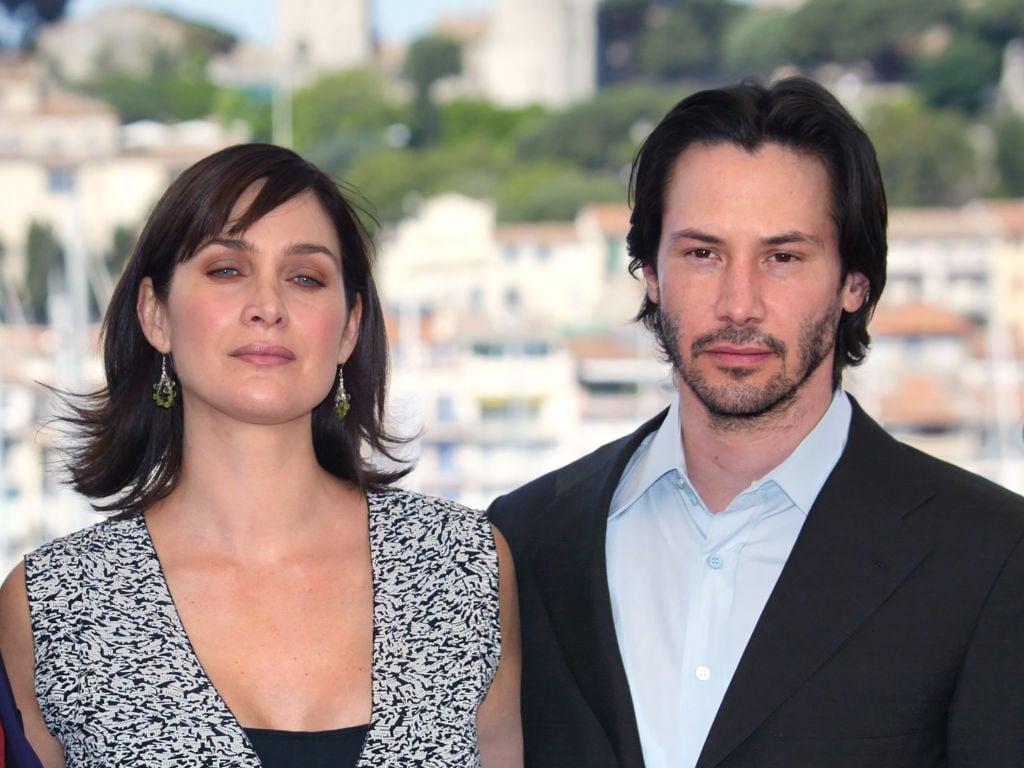 The Matrix 4 si farà: Keanu Reeves e Carrie-Anne Moss prenderanno ancora la pillola rossa
