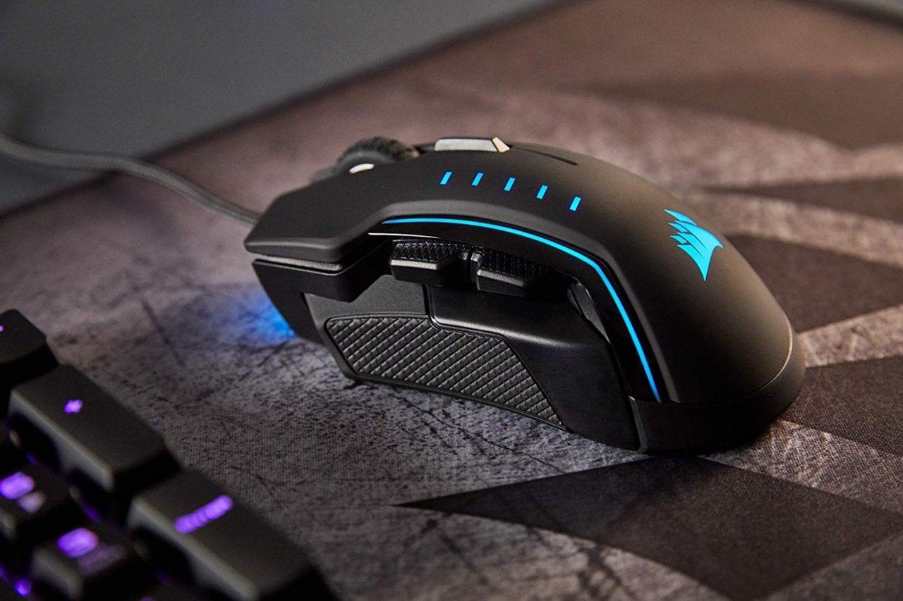 Bastano 52€ per acquistare questo mouse gaming Corsair pieno di LED RGB