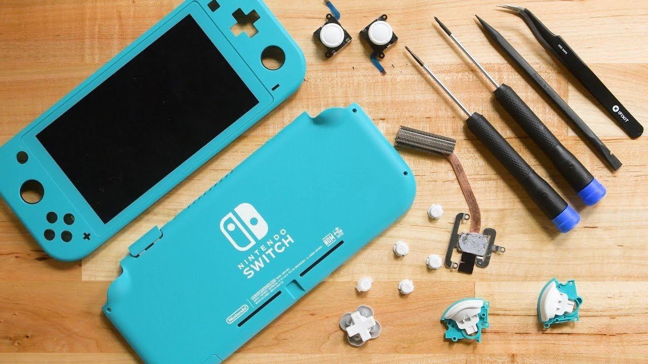 Nintendo Switch Lite smontata da iFixit: la riparabilità non è sempre il suo forte