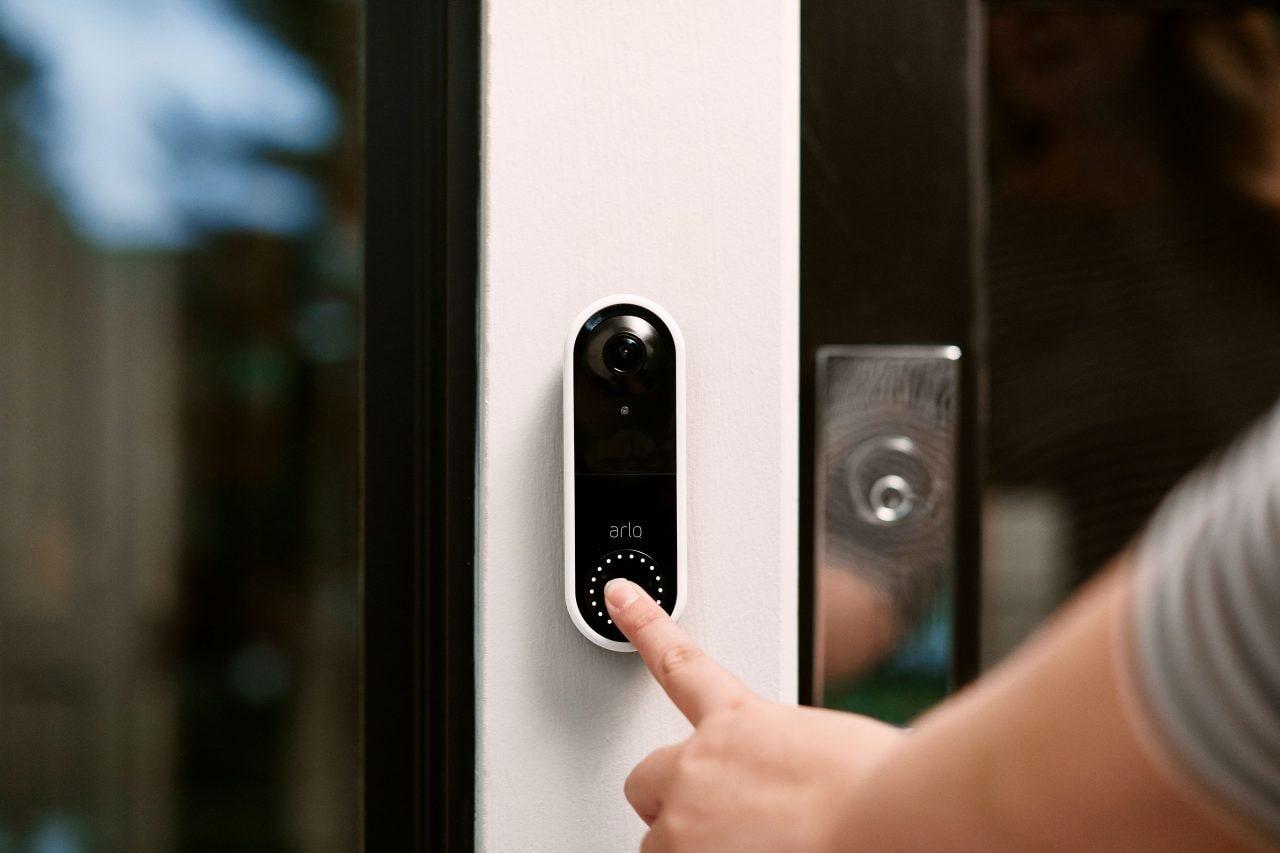 Arlo Video Doorbell è il video-citofono smart che non vi farà rimpiangere un portiere in carne ed ossa (foto)