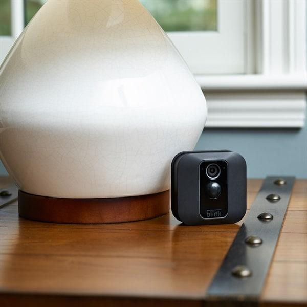 Ecco la videocamera di sorveglianza di Amazon: piena integrazione con Alexa a partire da 109,99€ (foto)
