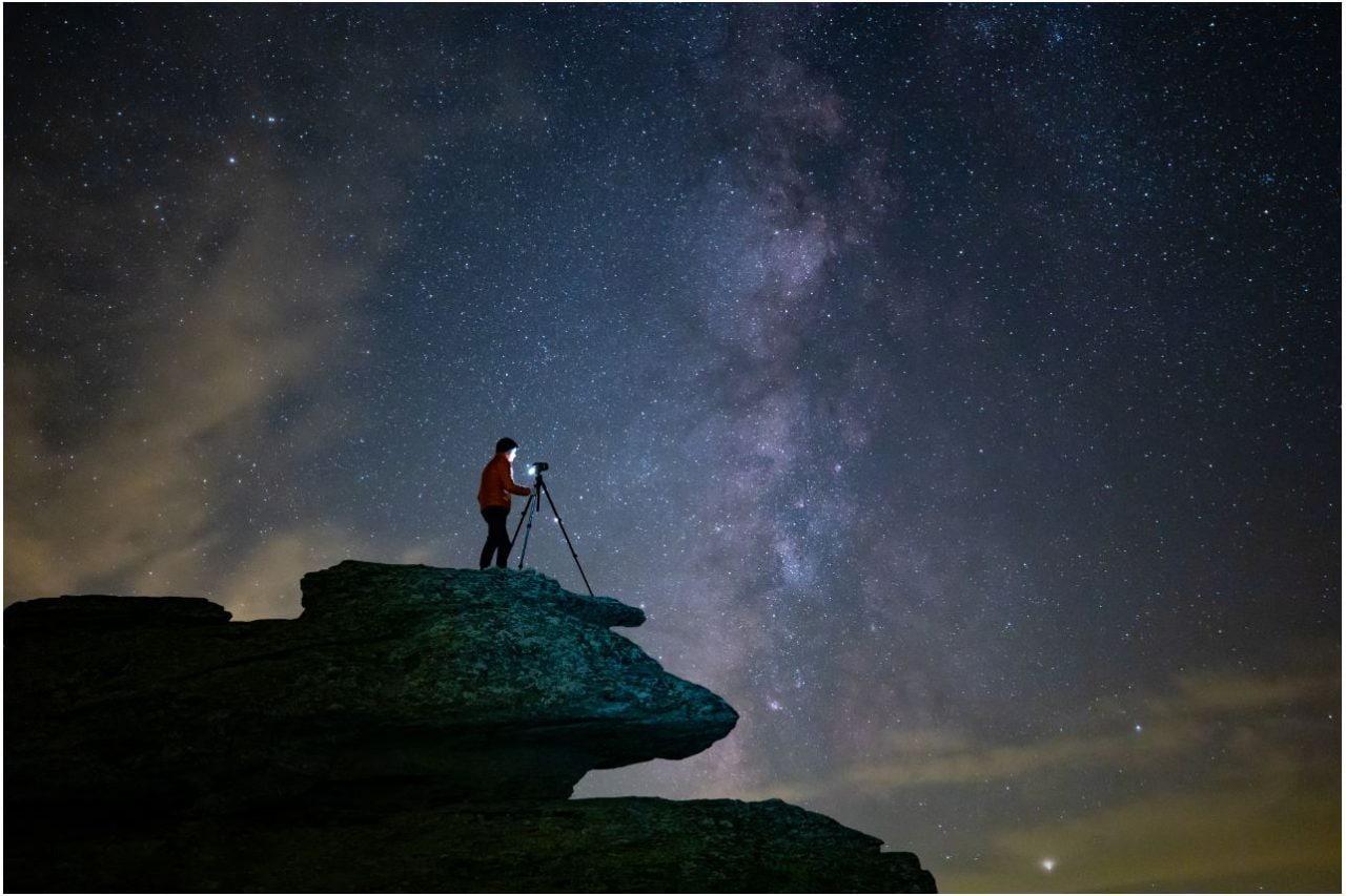 Canon presenta EOS Ra, la prima mirrorless full frame dedicata alla fotografia astronomica (foto)
