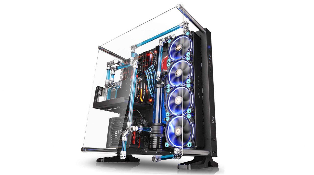 """Mettete a """"nudo"""" il vostro PC gaming con questo case super minimale ad un super prezzo!"""