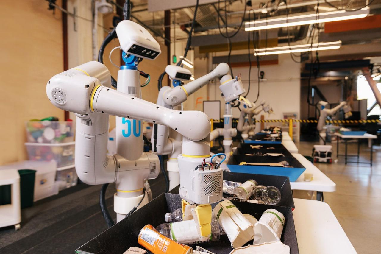 X, già parte di Google, procede con il suo lavoro con i robot con una nuova prerogativa: il self-learning (foto)