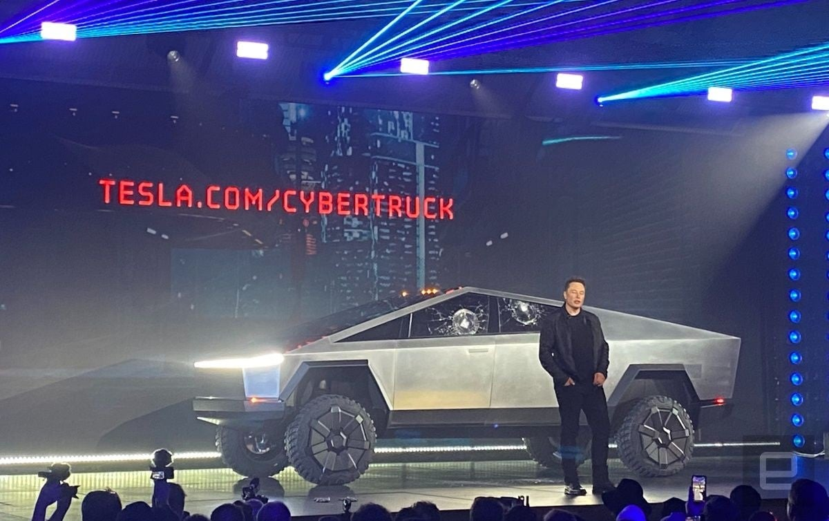 Sì, dbrand l'ha fatto davvero: ecco le skin per la Tesla Cybertruck (foto)