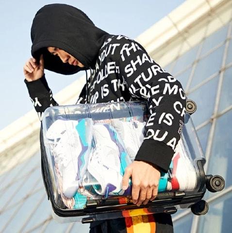 La nuova frontiera di Xiaomi: una valigia totalmente trasparente (foto)