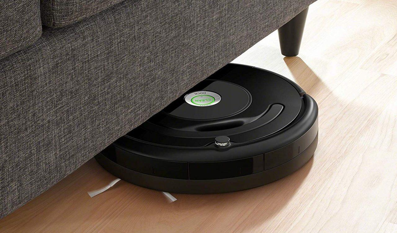 In cerca di un robot aspirapolvere? Per poche ore c'è il Roomba 671 in offerta