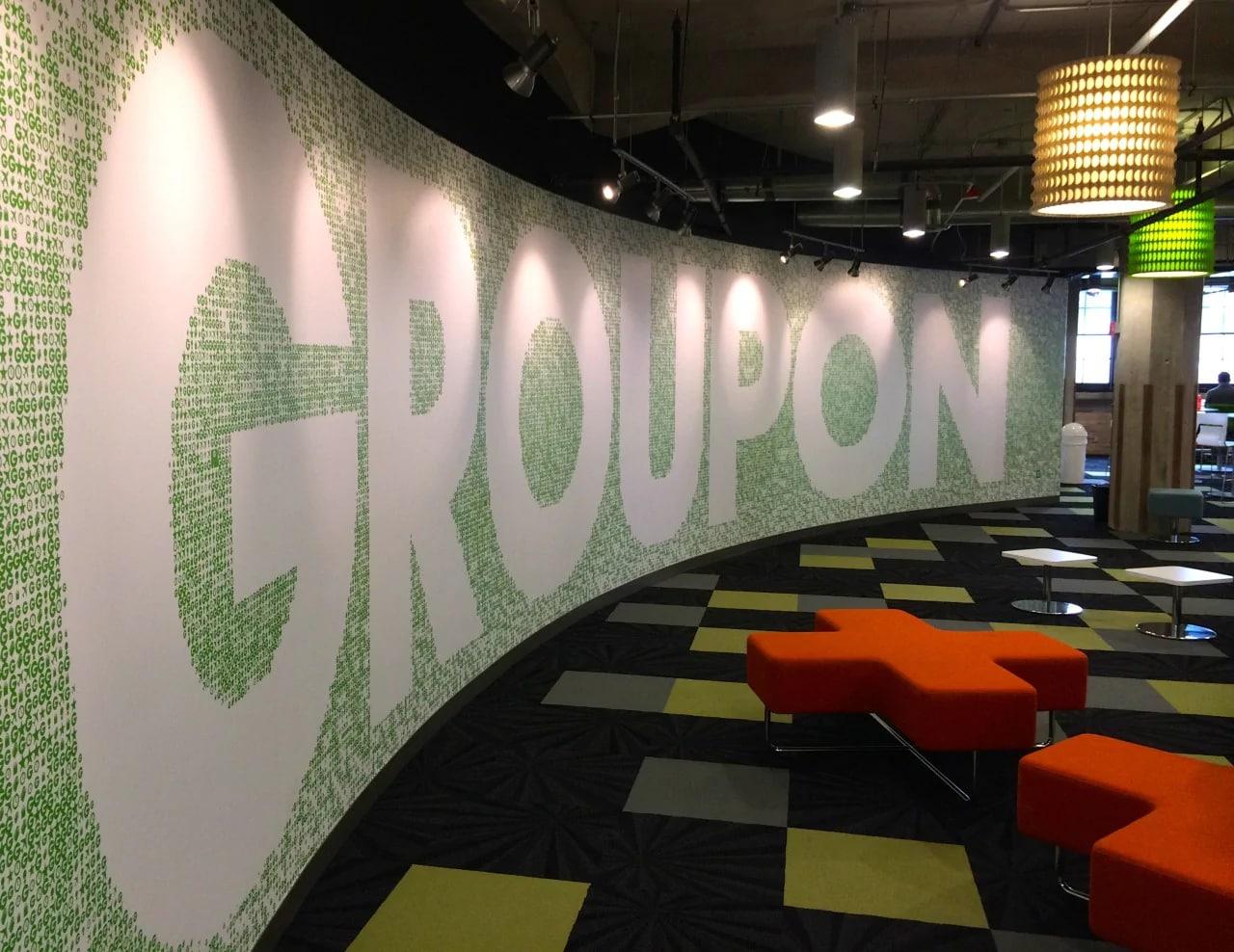Groupon smetterà di vendere beni per focalizzarsi sulle esperienze locali