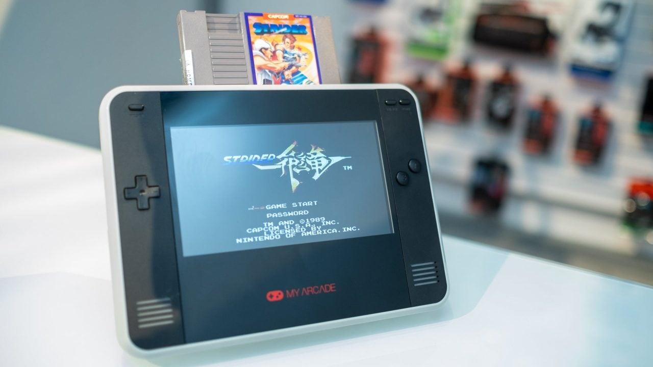 Amante dei giochi retrò Nintendo? Questa è la console che fa per te!