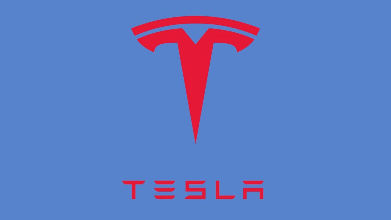 Tesla Model Y ai nastri di partenza: eccola nel suo look definitivo, ad un mese dal debutto (foto)