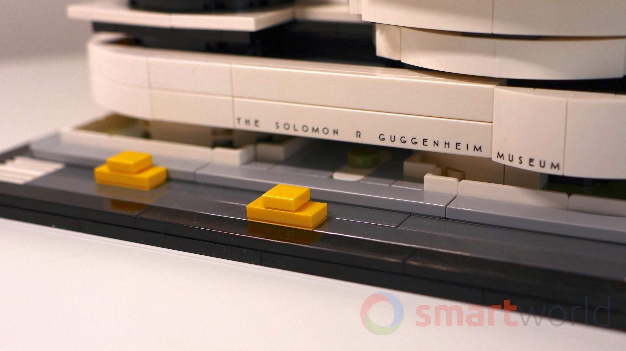 LEGO 21035 Guggenheim 06