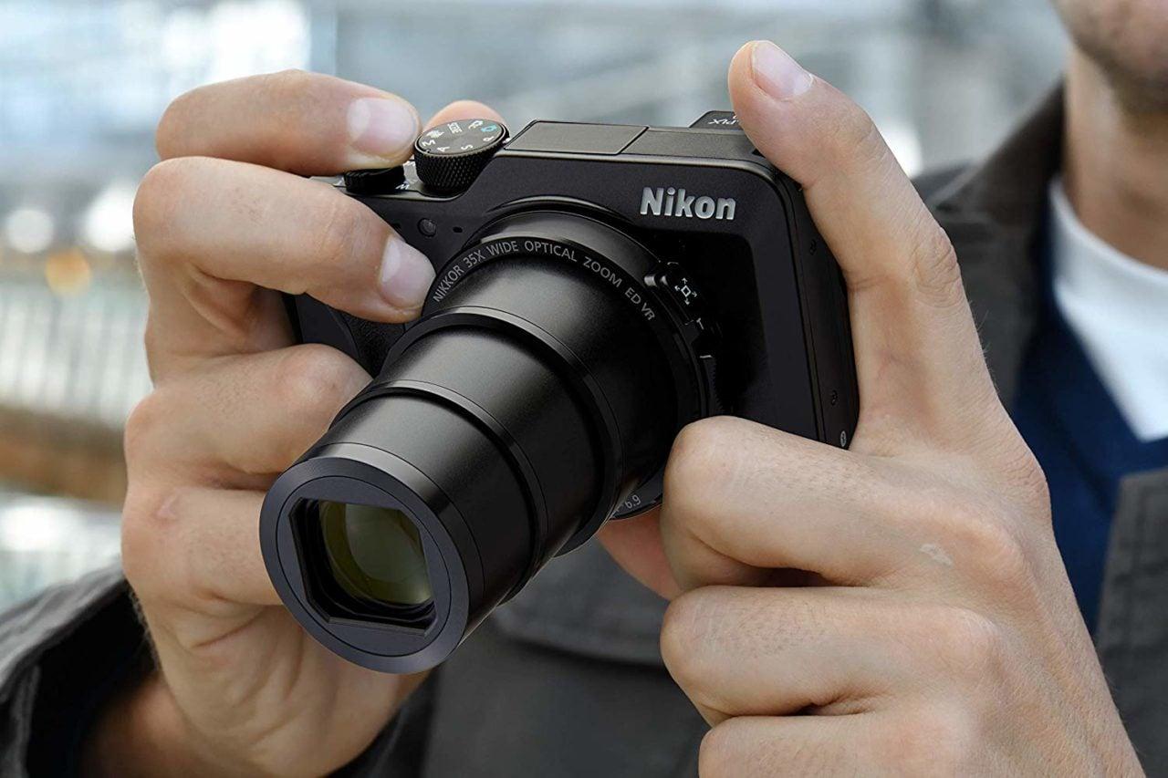 Nikon Coolpix A1000: prezzo al minimo storico per un'ottima fotocamera digitale