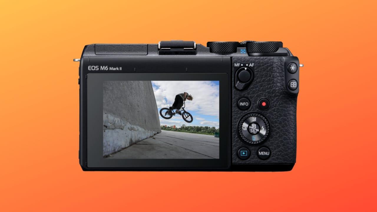 EOS M6 Mark II, la bellissima mirrorless di Canon cala di prezzo su Amazon