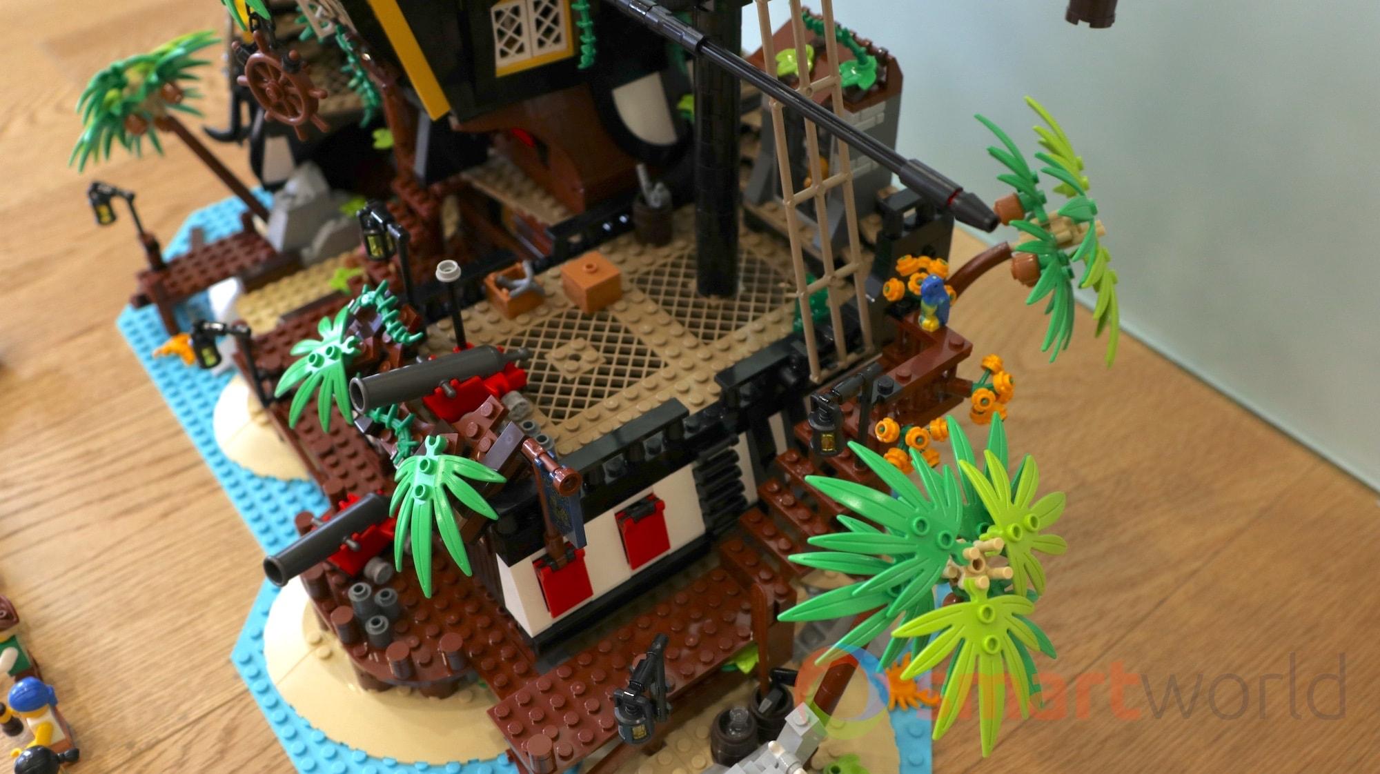 Pirati di Barracuda Bay LEGO 01