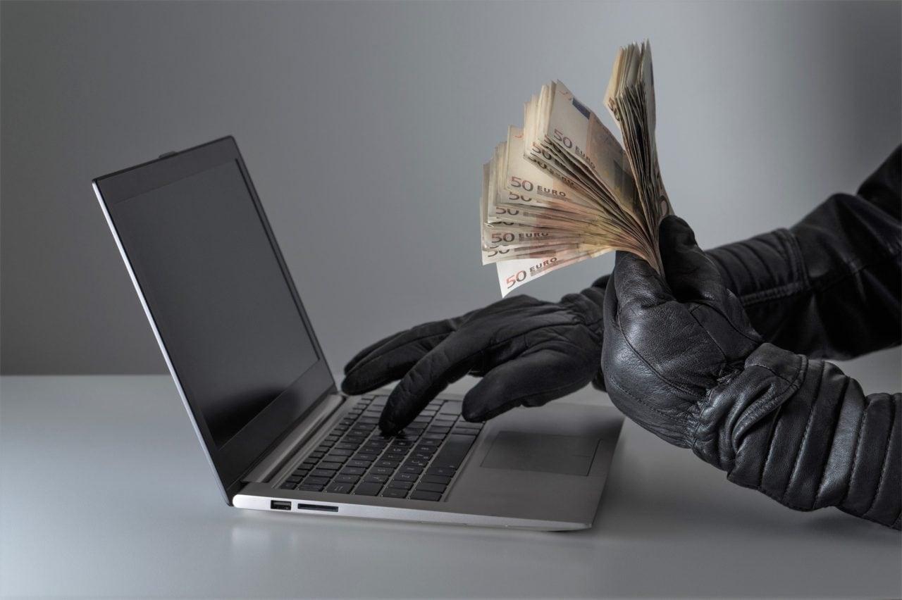 SMS dalla banca, come capire se sono reali o se si tratta di truffa