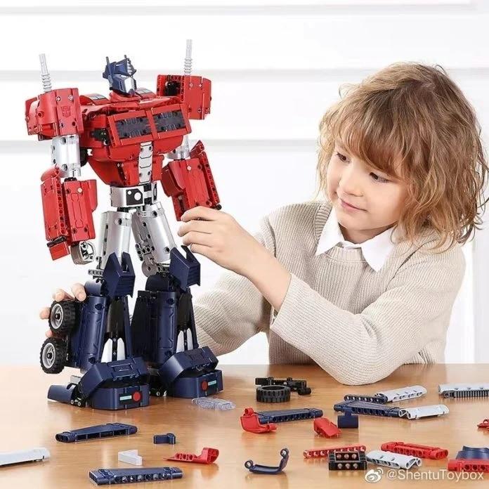 Xiaomi e Hasbro insieme per il modellino di Optimus Prime (foto)