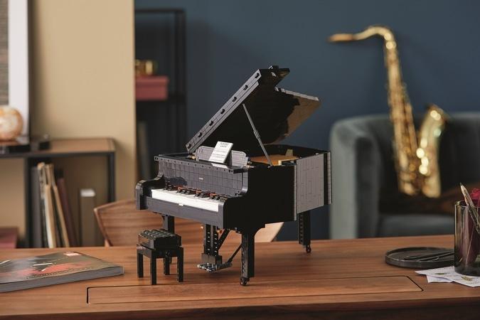 lego-grand-piano