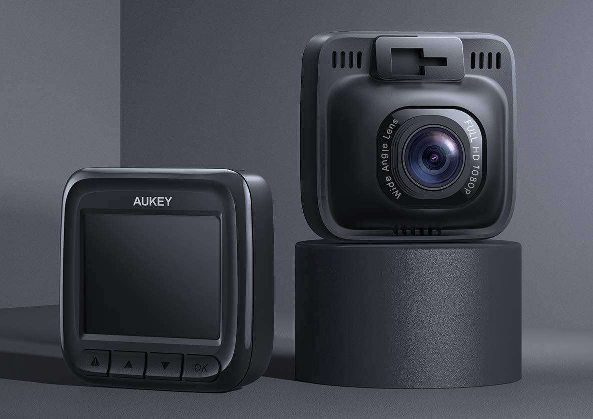 Dash Cam AUKEY in offerta lampo su Amazon: investite sulla sicurezza stradale