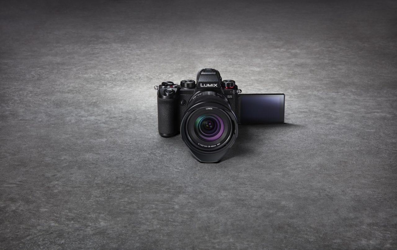 Sconto Amazon per Panasonic Lumix S5, una Full Frame che vi farà innamorare