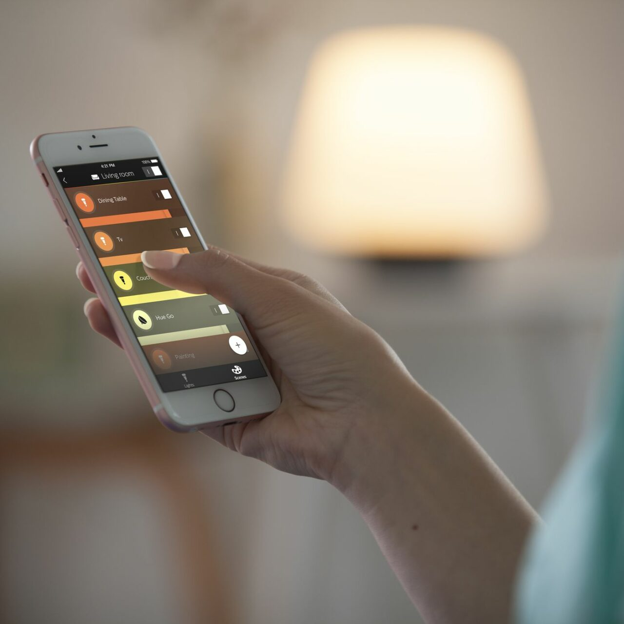 Le lampadine Philips Hue perderanno presto l'integrazione con la funzionalità Works with Nest