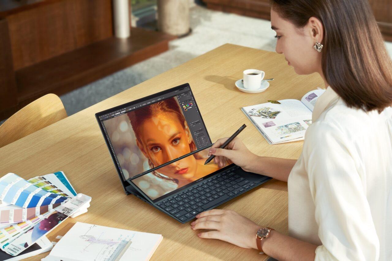 ASUS rinnova gli ZenBook (Pro) Duo: il software fa la differenza (foto)