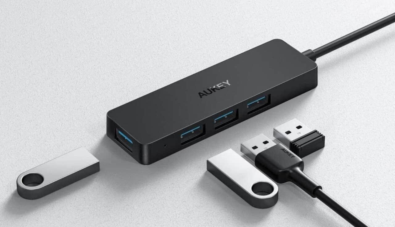 Una porta USB si fa in quattro con questo accessorio AUKEY in offerta