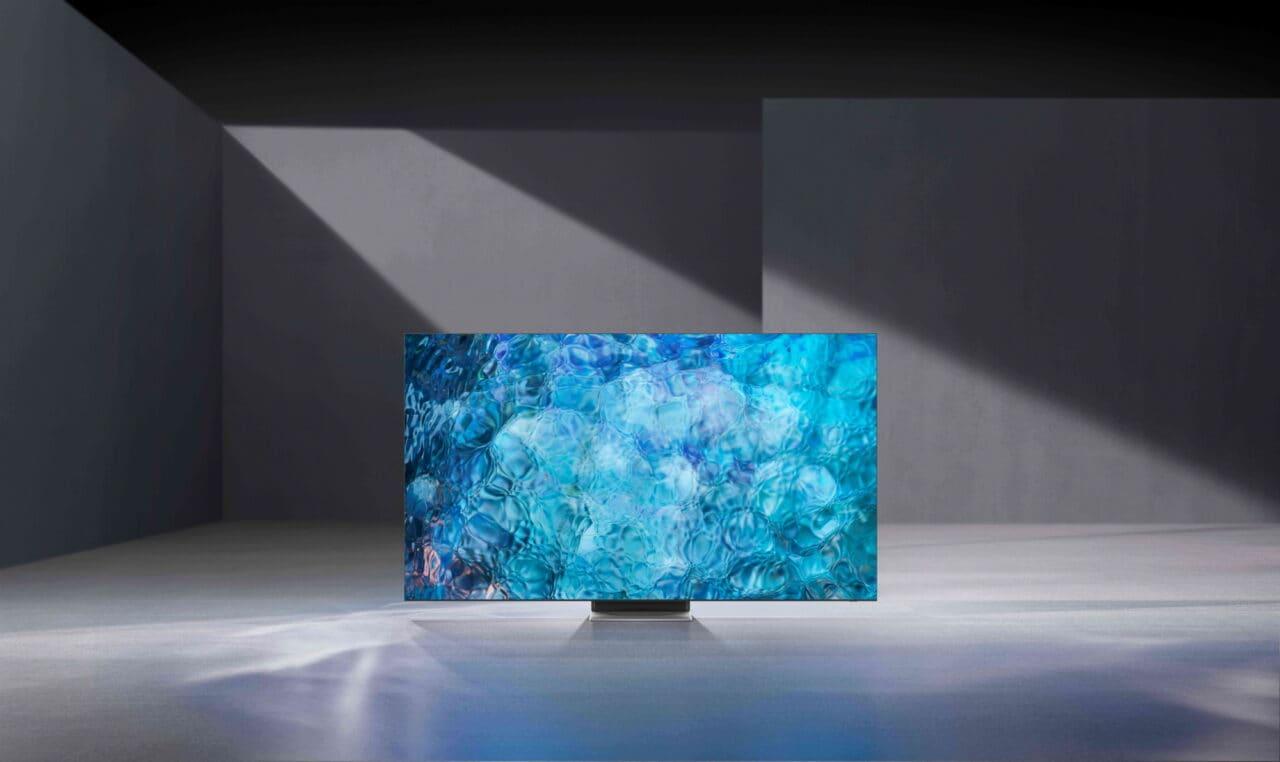 """Samsung presenta il futuro alla portata di tutti al CES: TV MicroLED da 110"""", il super-robot per la pulizia e non solo (foto)"""