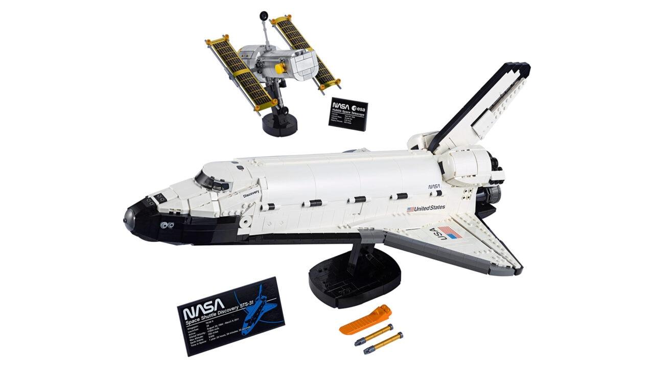 LEGO NASA Space Shuttle Discovery disponibile: dovrete trovare il posto per mezzo metro di Shuttle!