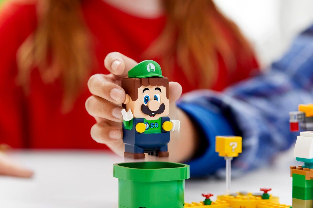 Luigi andrà a fare compagnia a suo fratello Mario anche nel mondo LEGO (foto e video)