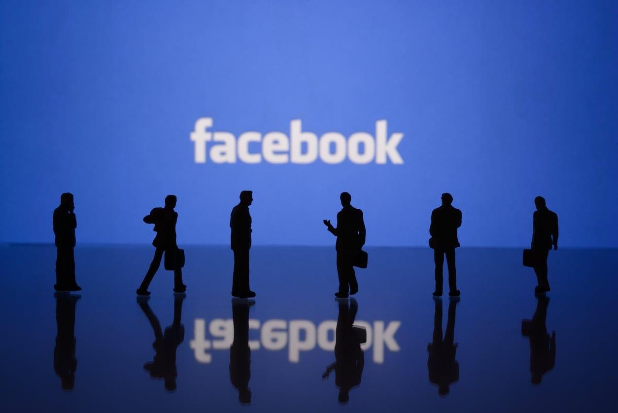 Facebook taglia il nastro: il market cap dell'azienda ha superato il trilione di dollari