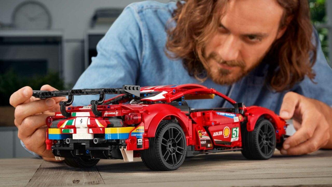 Il Gruppo LEGO si unisce a Ferrari per un'esperienza adrenalinica all'insegna dell'eSport