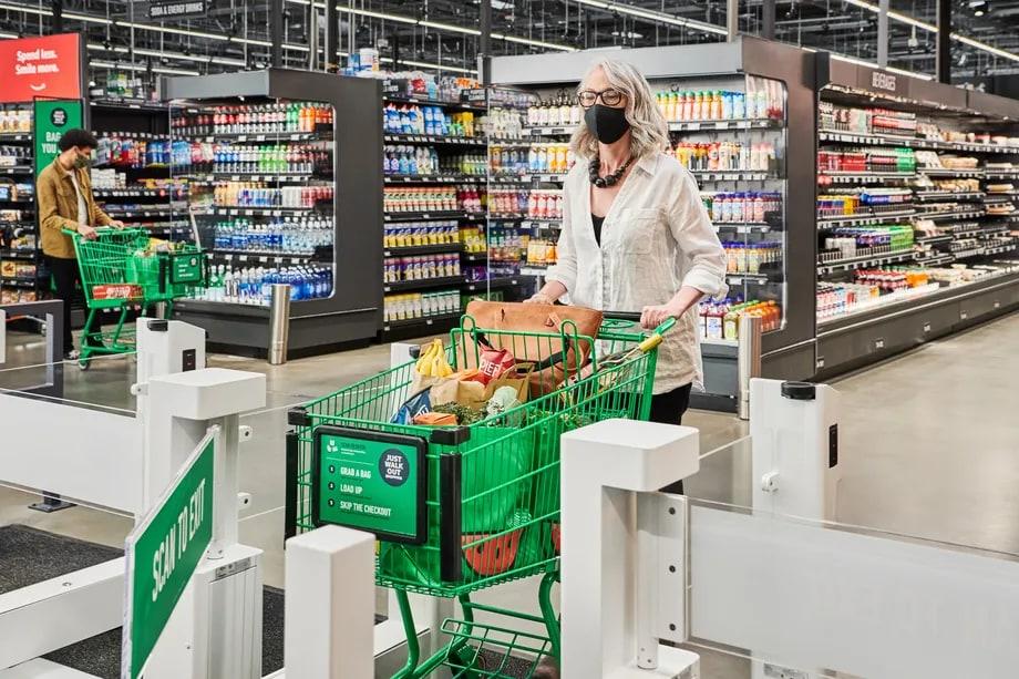 Amazon apre il suo primo supermercato senza cassa