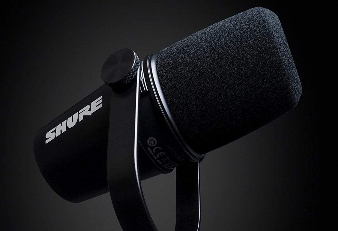 Shure MV7 in sconto su Amazon: il microfono professionale per i podcast e non solo