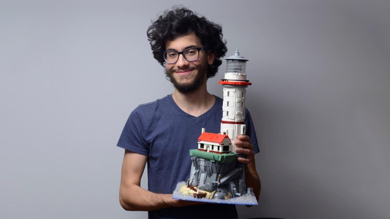Il prossimo set LEGO Ideas è un faro alto mezzo metro con luce motorizzata (foto e video)