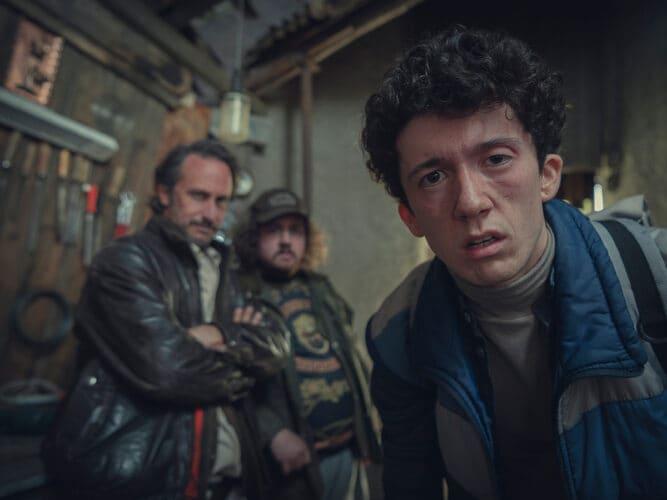Una scena di Come vendere droga online 3 con il protagonista