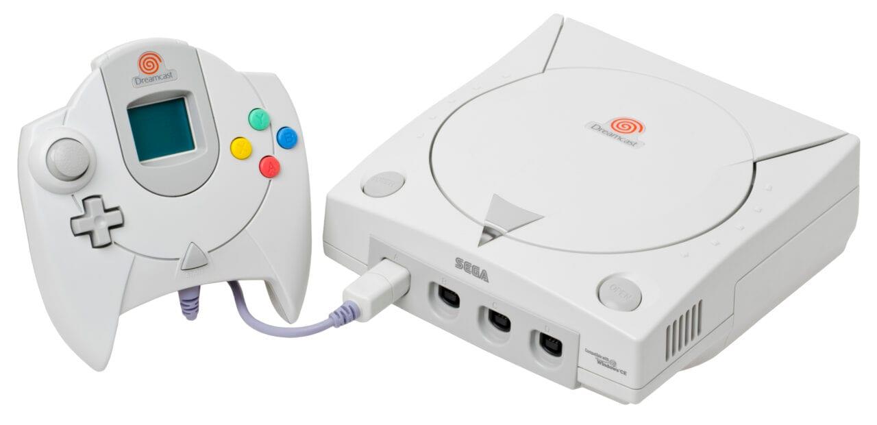 Sembra un SEGA Dreamcast ma non lo è! Modder lo trasforma in un PC da gioco (video)