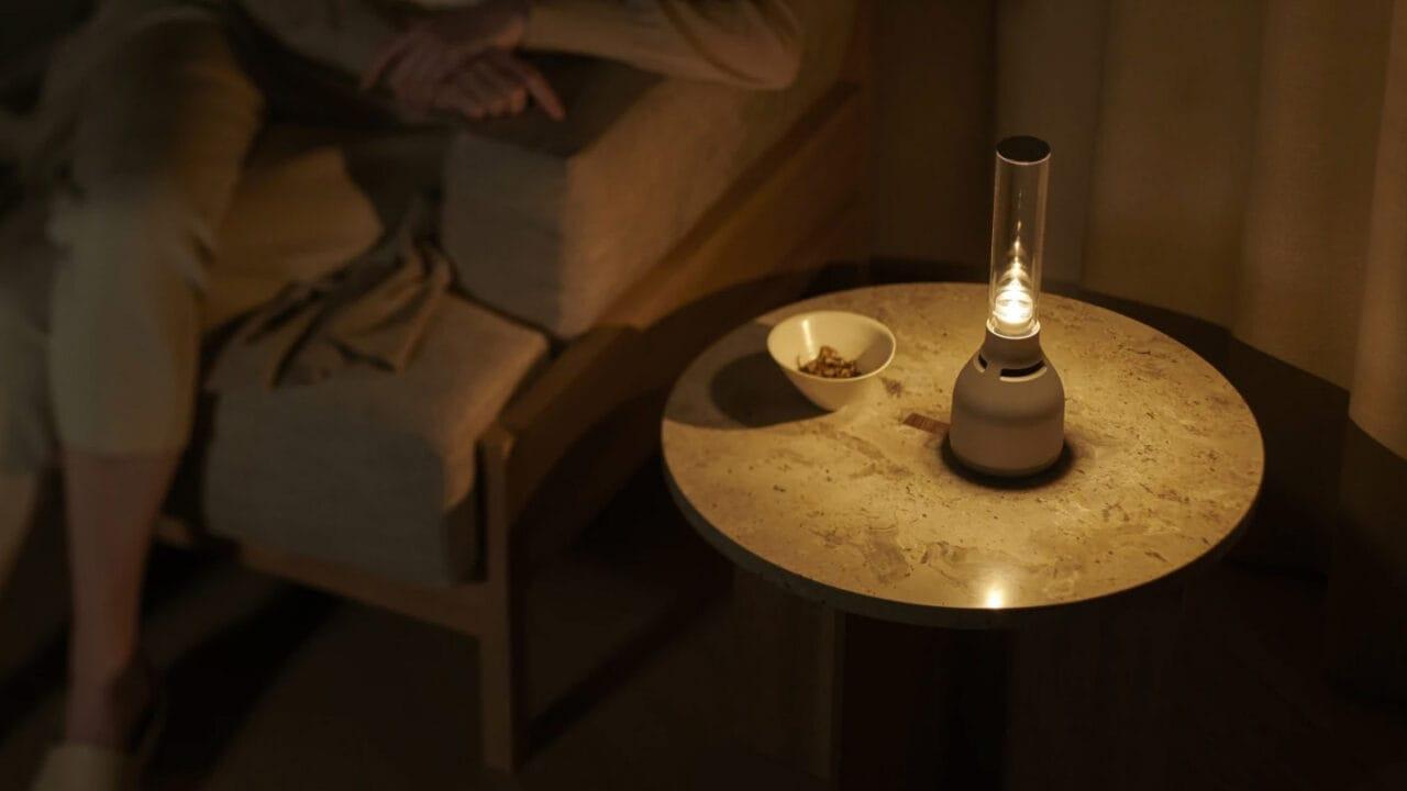 Sony annuncia la nuova versione del suo altoparlante dall'aspetto di una lampada (foto)