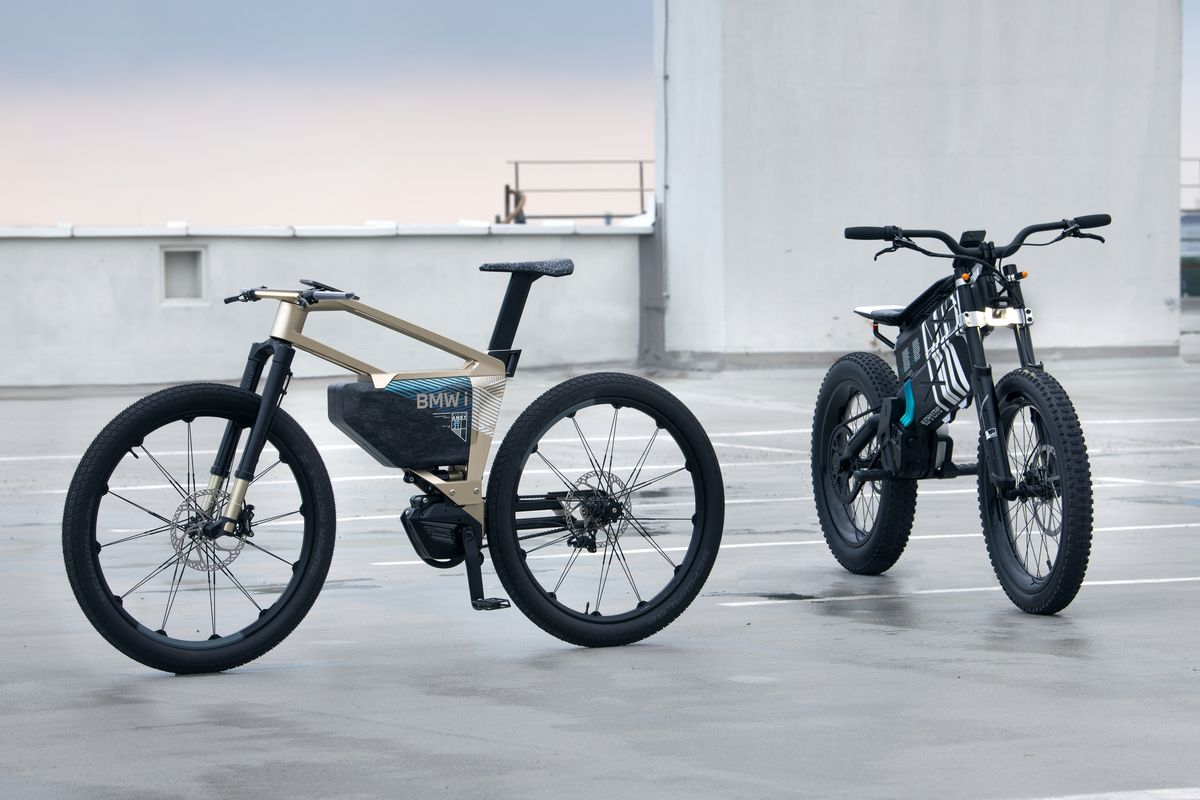 BMW lancia un concept innovativo di e-bike: veloce come bicicletta in città, diventa moto fuori città (foto)