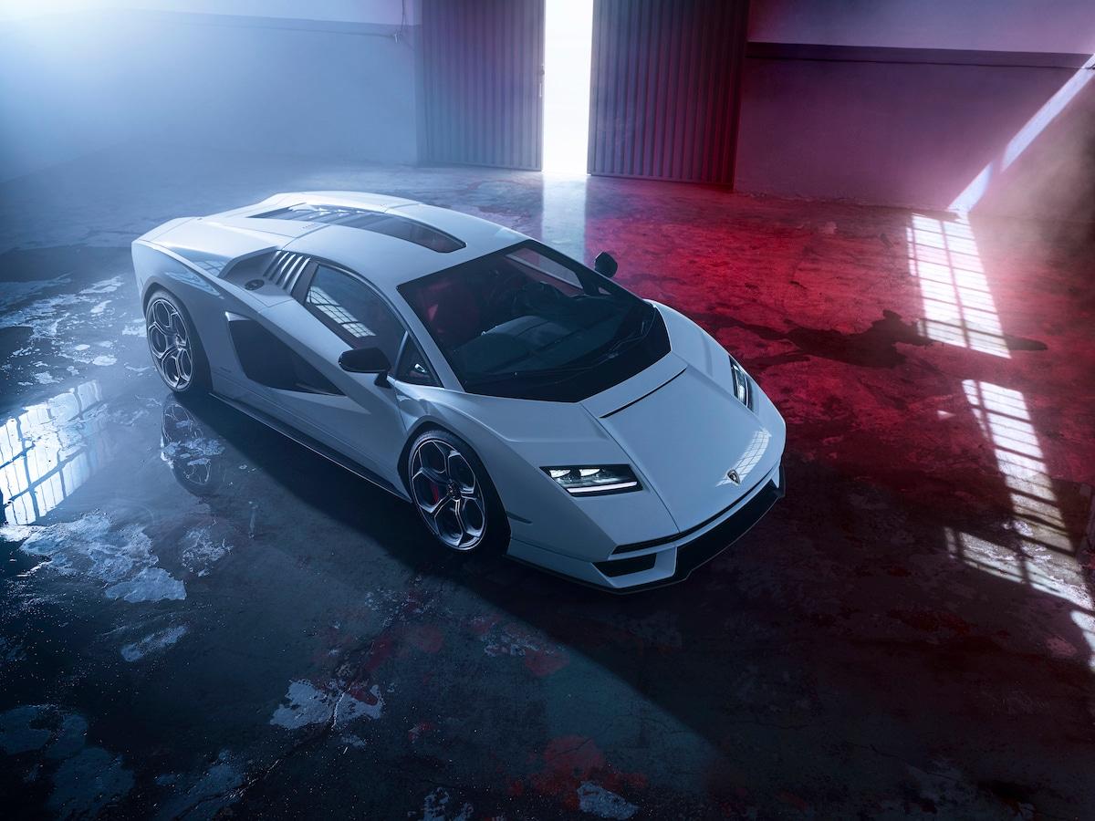 Lamborghini Countach, il ritorno di un mito (ibrido)